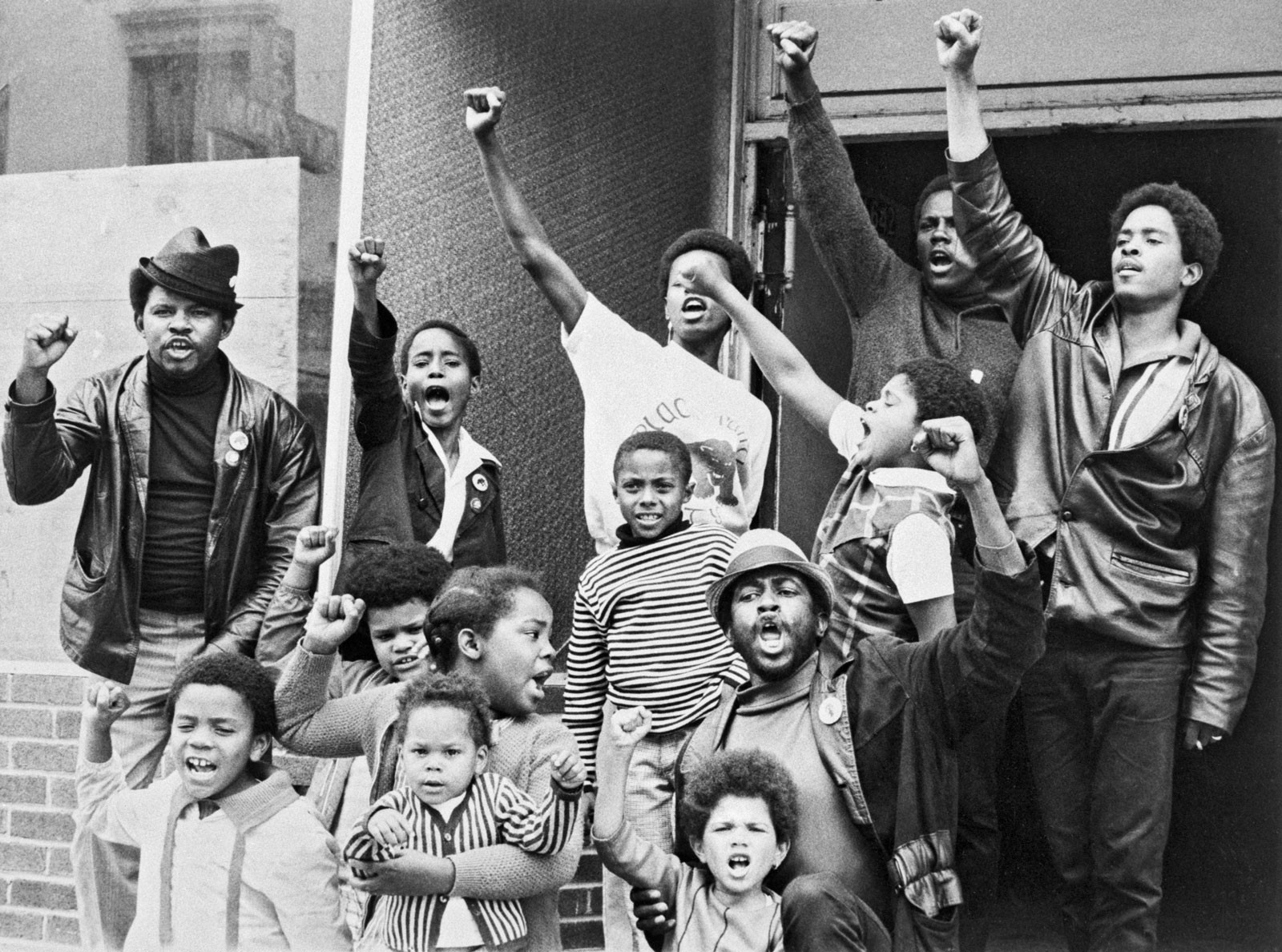 Outside a Black Panther Party 'liberation school' in San Francisco's Fillmore District (1969). Bettmann / Corbis