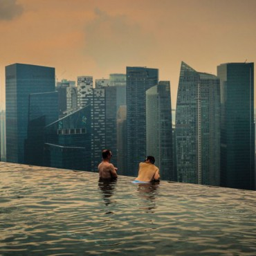 The Marina Bay Sands endless pool in Singapore. Bertrand Duperrin / Flickr