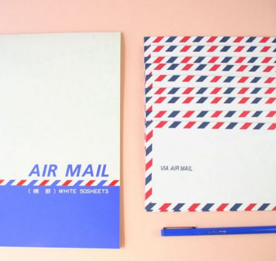 A US Air Mail kit. Paper Pastries / Flickr