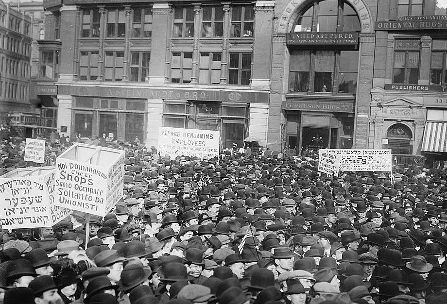 the labor movement and unionism background and brief history 16 the history of the workers' movement as a power struggle – trade unions,  employers and  pp15socialismbeforemarxhtm – for brief notes on the levellers.