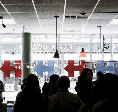 Hillary Clinton's Nashua, NH campaign office. Ted Eytan / Flickr