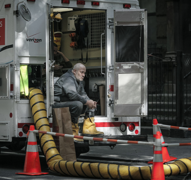 A Verizon technician in New York City. Stefan Georgi / Flickr
