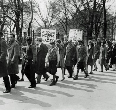 A jobless workers' picket organized by the CPUSA outside the White House in Washington, DC in 1930. University of Pittsburgh