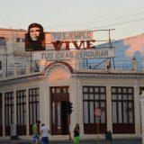 A sign commemorating Che Guevara in Parque José Martí in Cienfuegos, Cuba. Joe Ross / Flickr