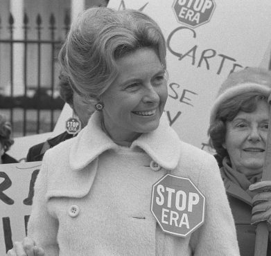 Phyllis Schlafly demonstrates at the White House against the Equal Rights Amendment in February 1977.