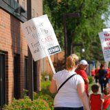 Minnesota nurses on strike against Allina Health in June 2016. Kelsey Miller / Flickr