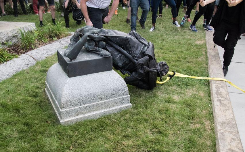 Tear Down The Confederates Symbols