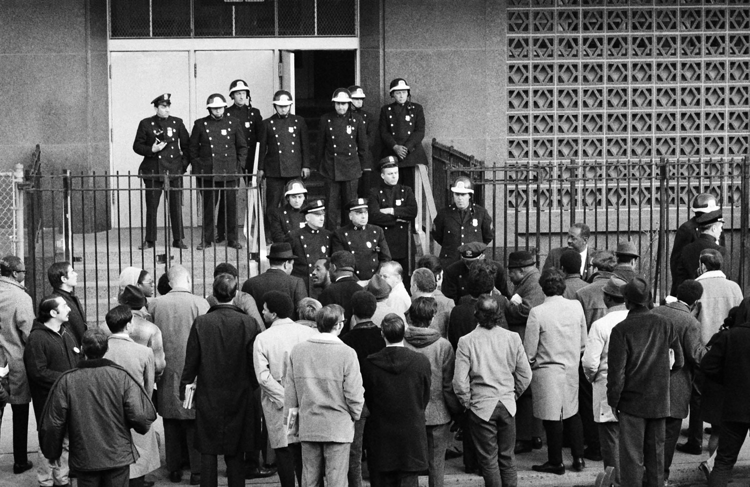 Image Result For Can A Protest Block You From Entering A Public Building