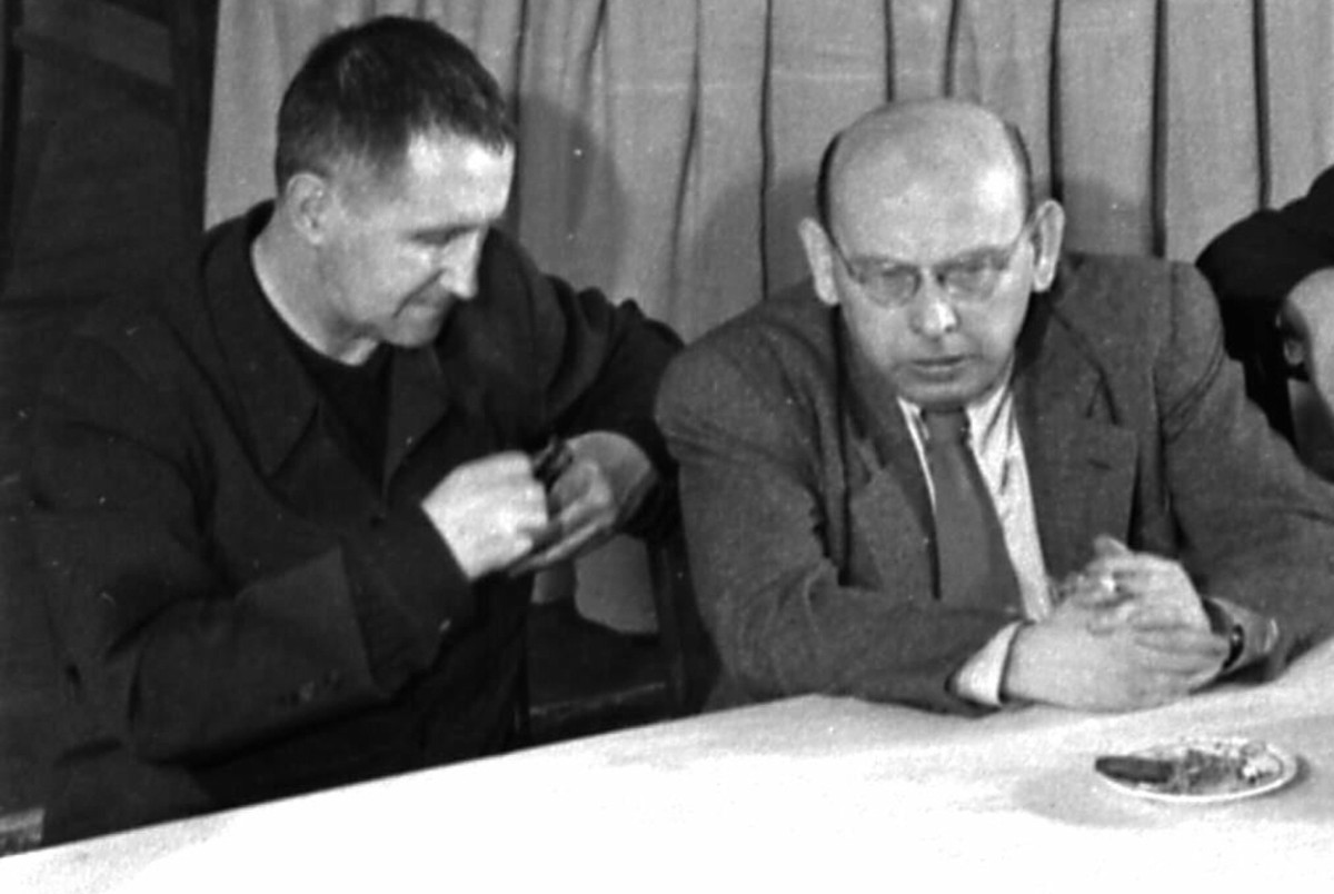 An essay on bertolt brecht on communism and his huac hearings