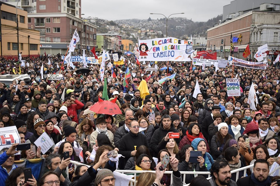 Chile's Nationwide Teacher Strike Has Thousands Taking to the Streets