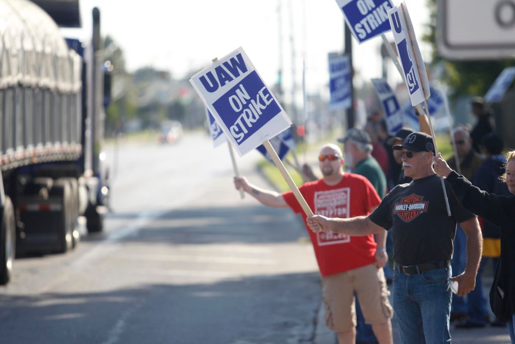 Striking GM Workers Aren't Backing Down
