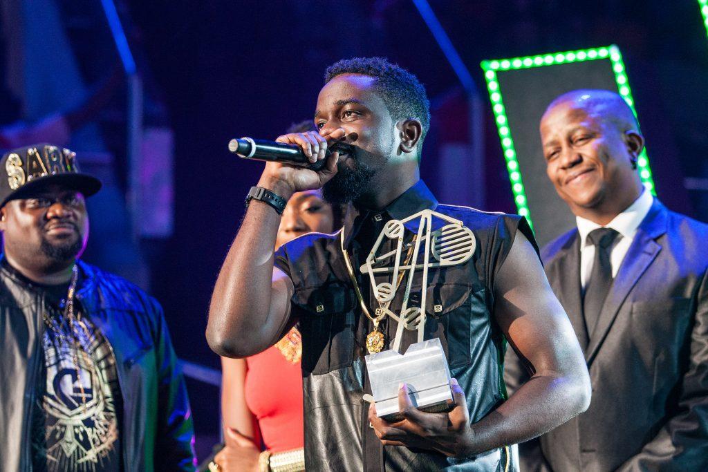 Sarkodie wins Best Hip Hop.Photo Credit: Al Nicoll, MTV Networks Africa (Pty) Ltd.