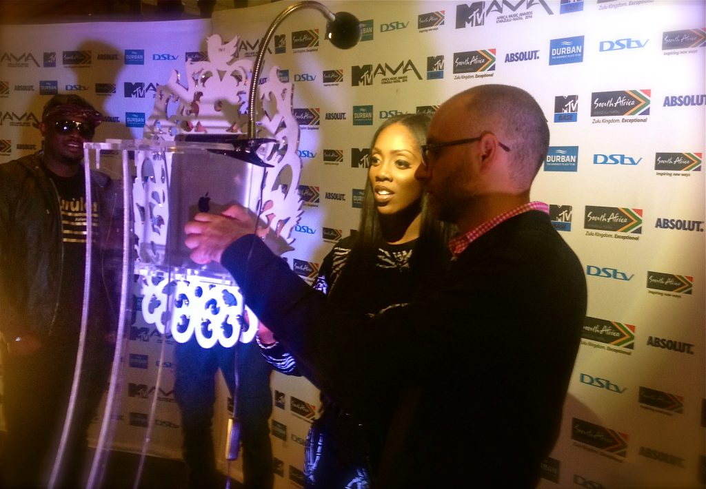 "Tiwa Savage at the ""Selfie Station"""