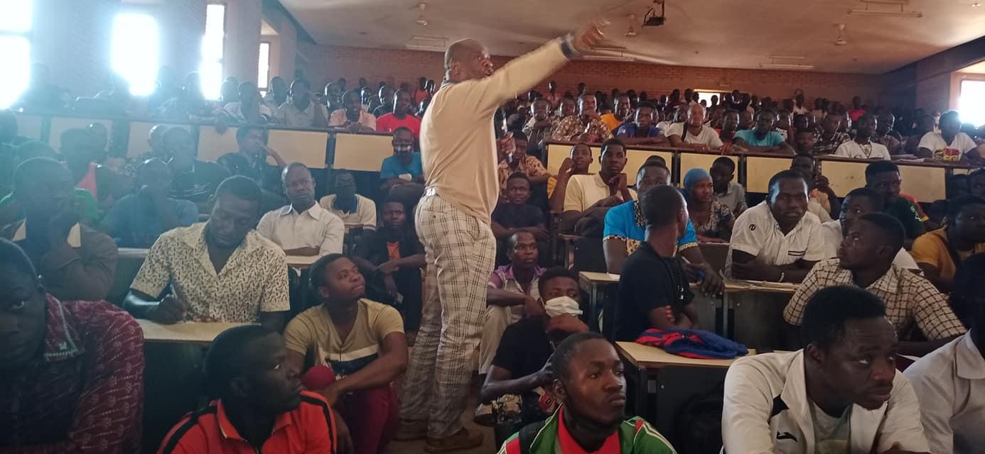 Deux Heures pour Nous, Deux Heures pour Kamita, Burkina Faso politics
